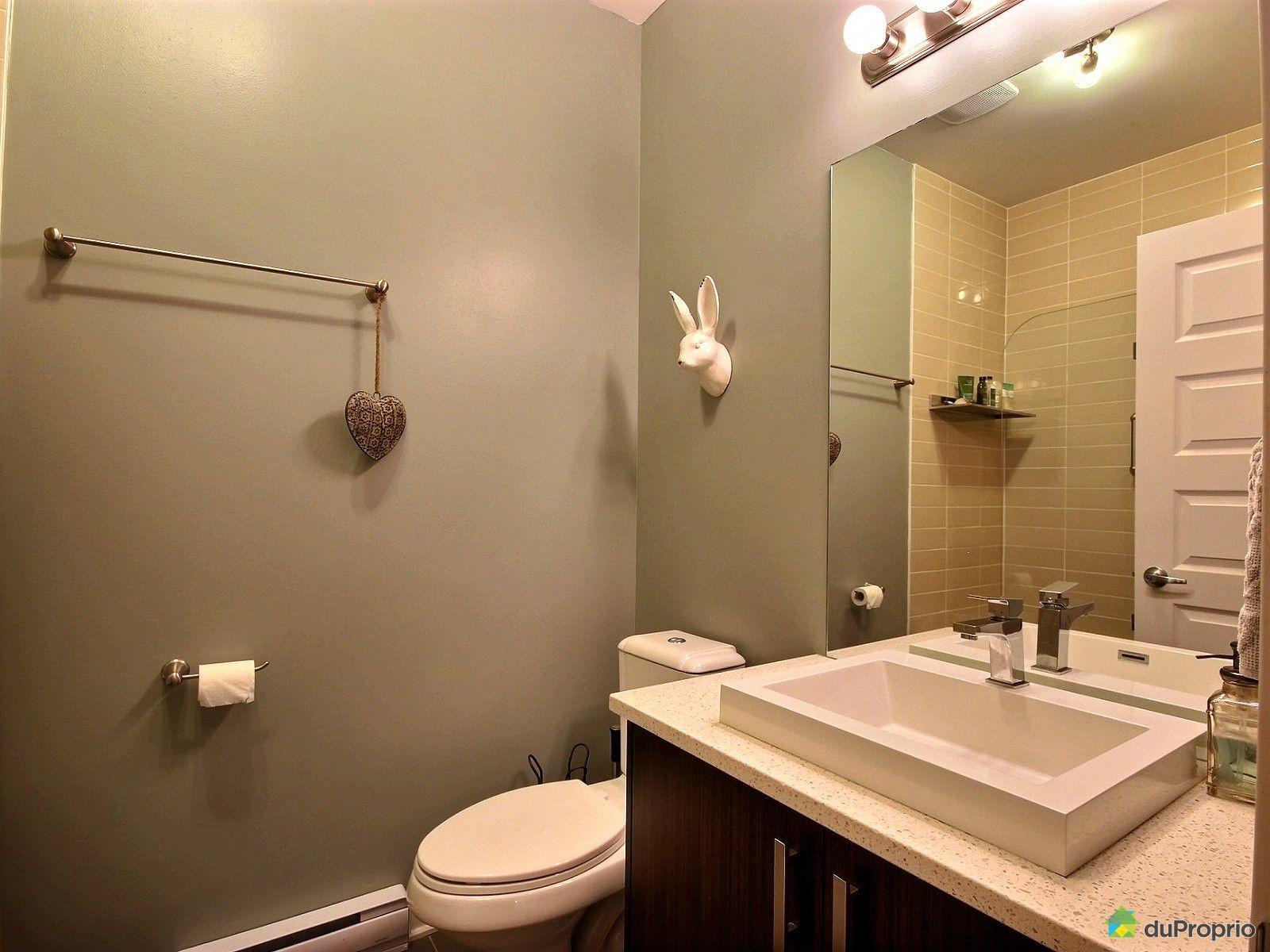 Condo vendre montr al 217 1055 rue de la gaucheti re for Accessoire salle de bain ville de quebec