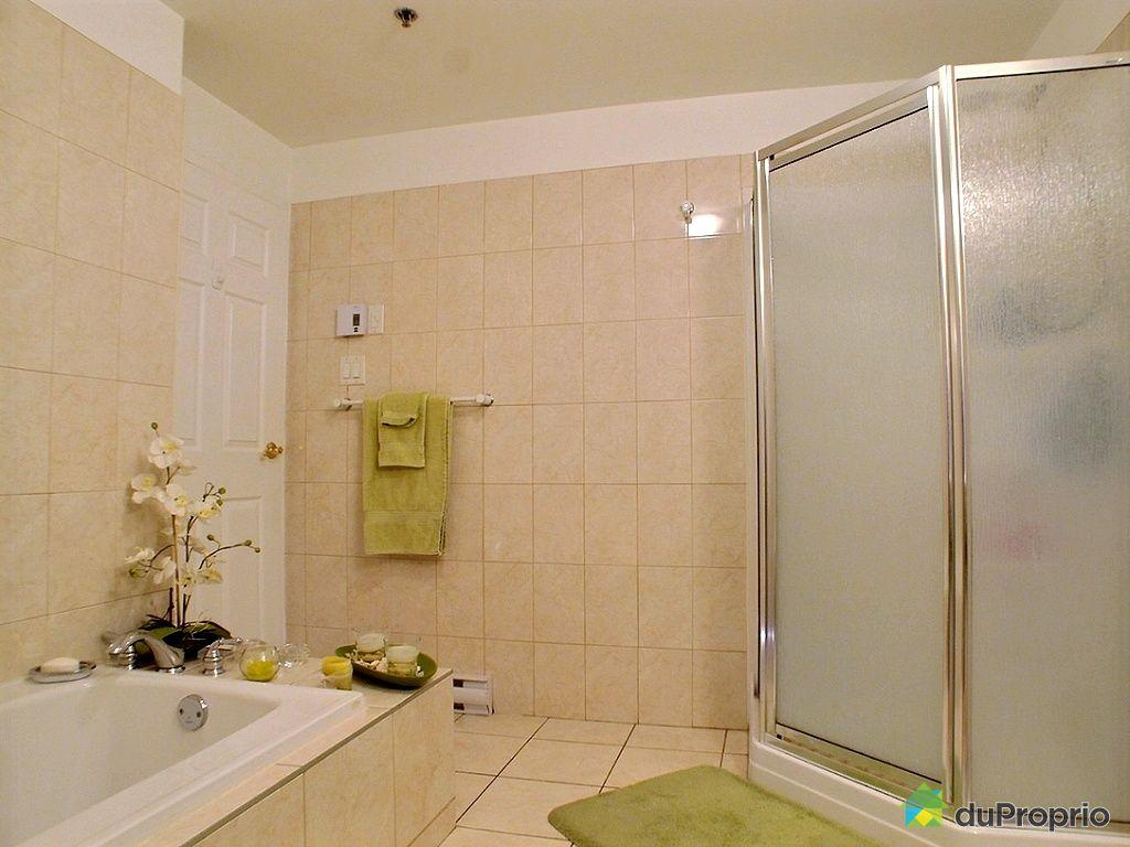 Condo vendu montr al immobilier qu bec duproprio 492429 for Salle de bain montreal