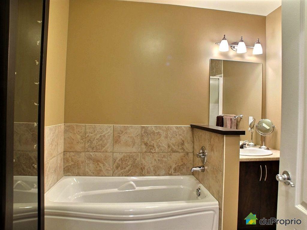 Condo vendu montr al immobilier qu bec duproprio 371160 for Miroir salle de bain montreal