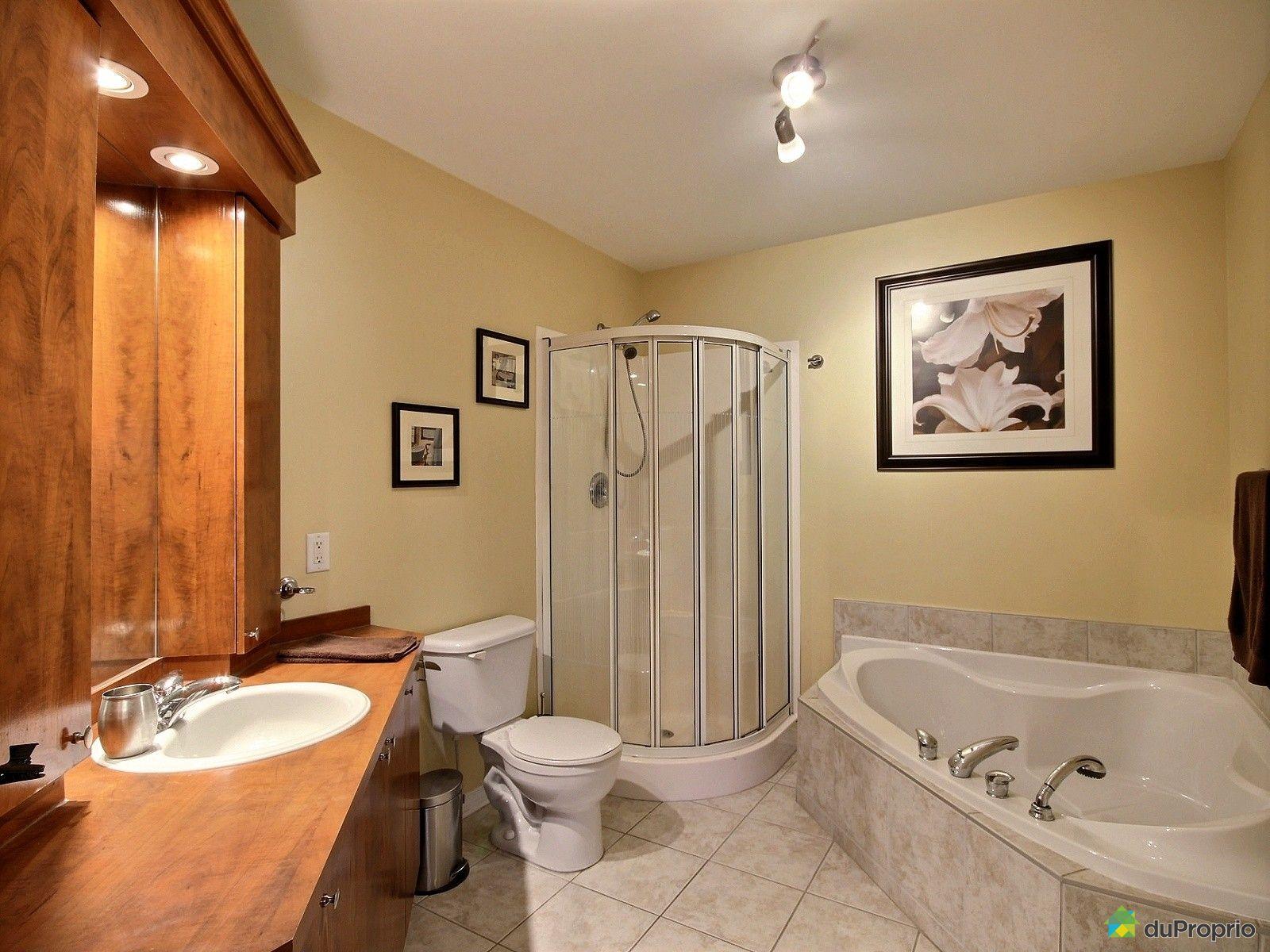 Condo vendre st eustache 5 146 rue ric immobilier for Salle de bain 25 st eustache