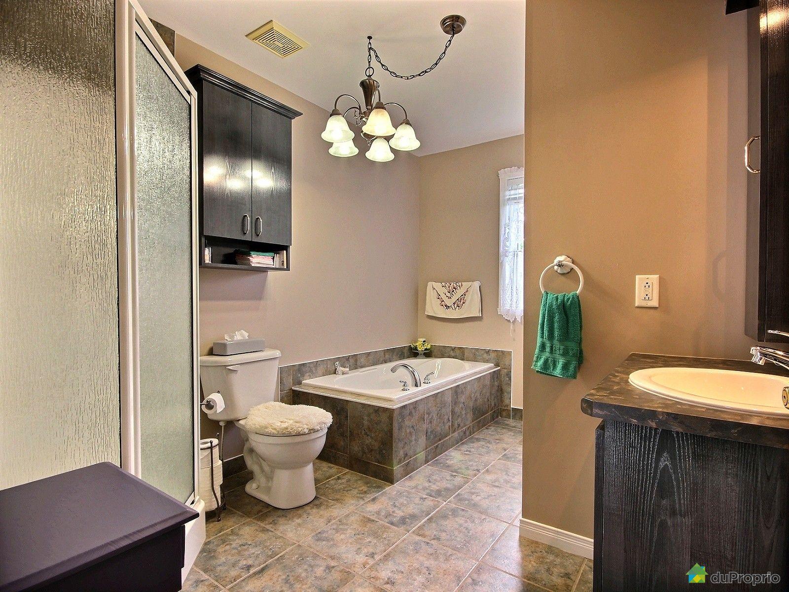 Condo vendre st j r me 2438 rue schulz immobilier for Accessoire salle de bain st jerome