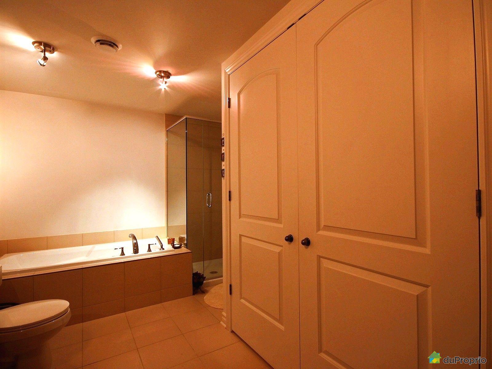 Condo vendre st j r me 203 240 rue du ma on immobilier for Accessoire salle de bain st jerome