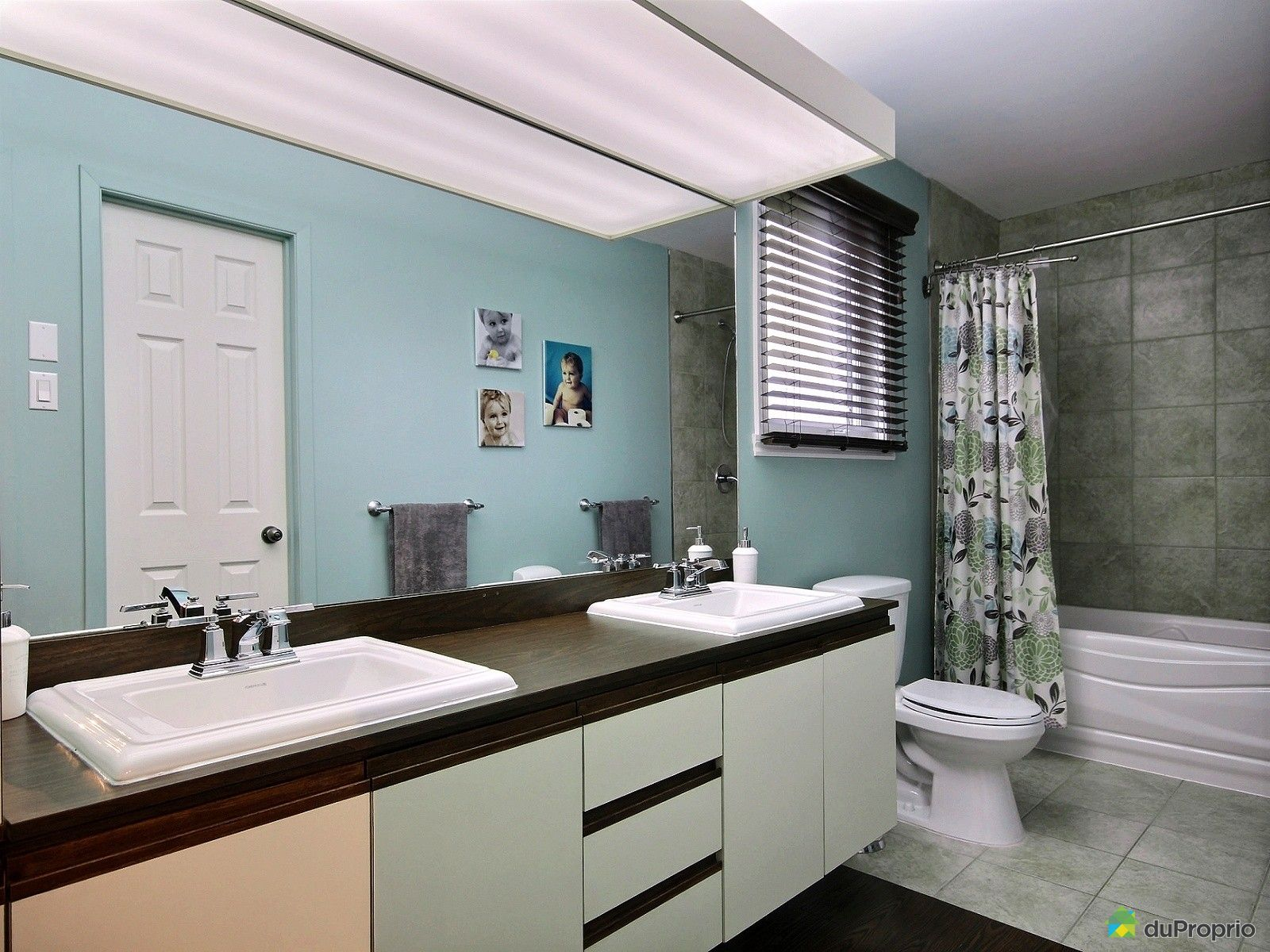 Maison vendre louiseville 1021 rang du petit bois for Salle de bain commune a deux chambres