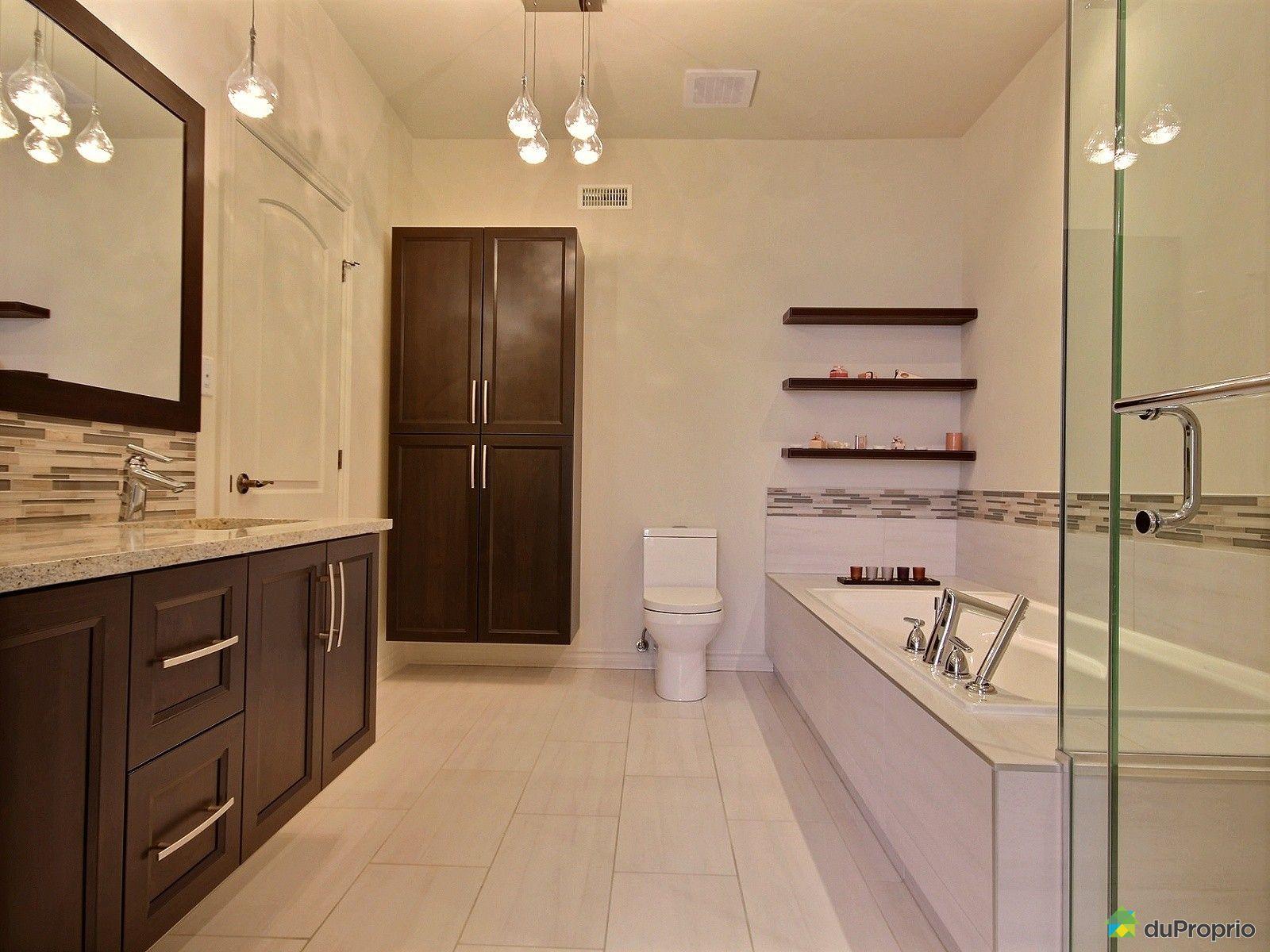 Maison vendre montr al 2211 rue des h misph res for Reno salle de bain quebec