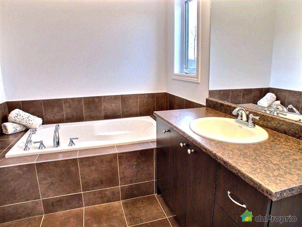 Salle de bain en marbre travertin avec haute définition photos ...