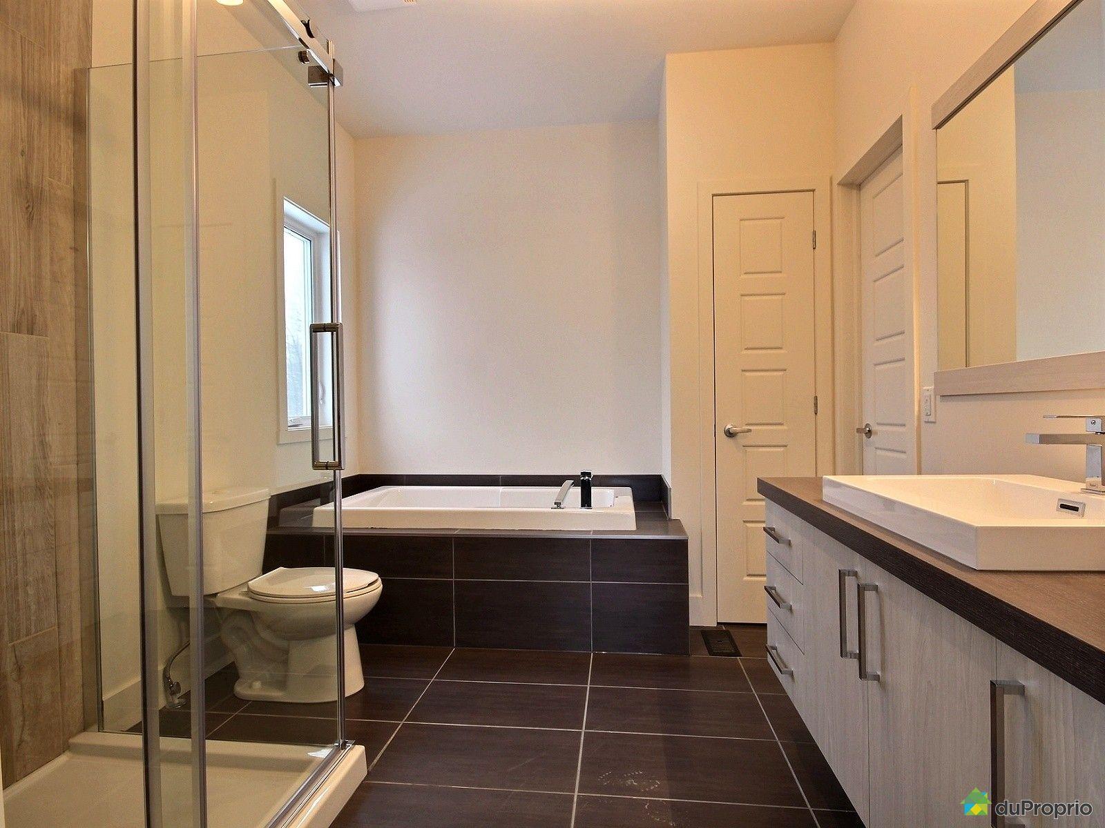 Maison neuve vendre st j r me 412 rue des eaux vives for Accessoire salle de bain st jerome