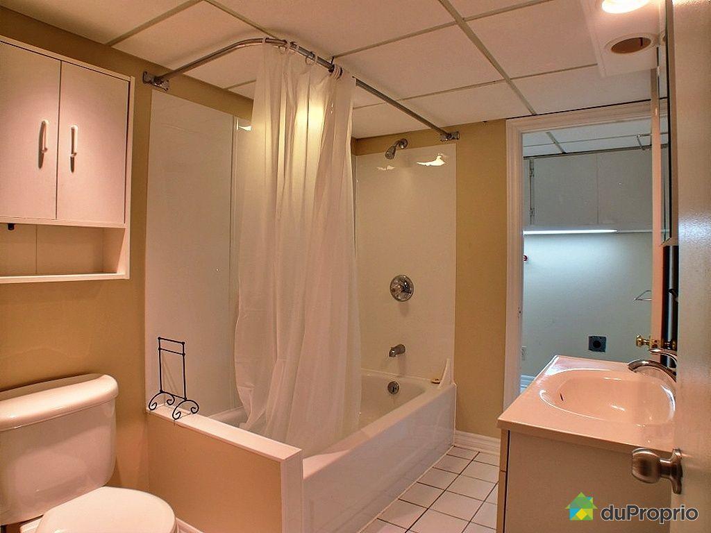 Duplex vendu mcmasterville immobilier qu bec duproprio for Salle de bain commune a deux chambres