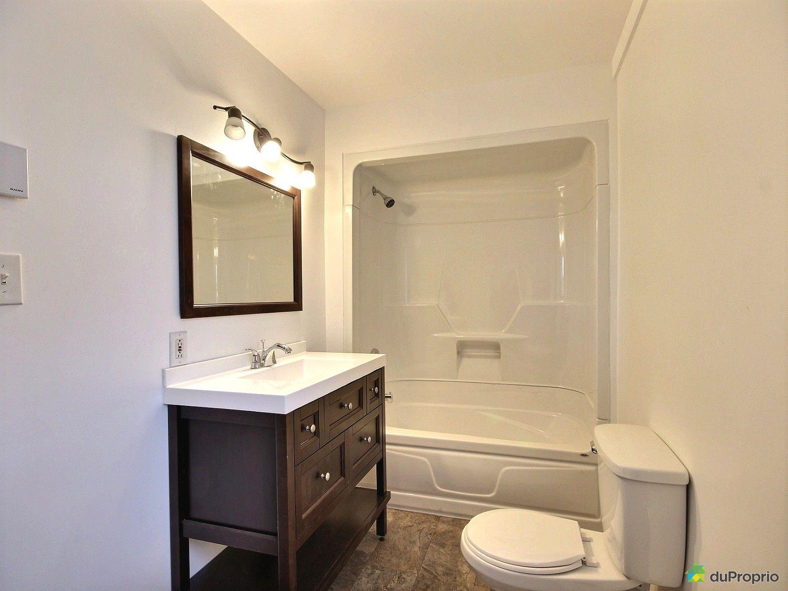 Duplex vendre granby 434 436 boulevard leclerc ouest - Salle de bain hopital ...