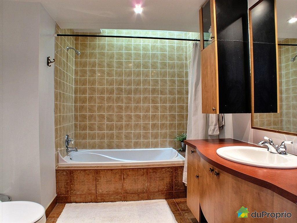 Duplex vendu laval des rapides immobilier qu bec for Salle de bain laval