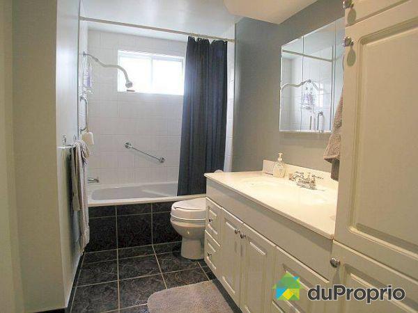 Duplex vendu montr al immobilier qu bec duproprio 69774 - Armoire salle de bain a vendre ...