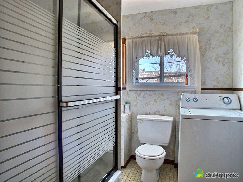 Duplex vendre st jean sur richelieu 190 192 rue dollard for Salle de bain st jean
