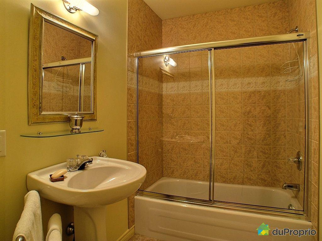 Immeuble commercial vendu st antoine sur richelieu for Salle de bain saint brieuc