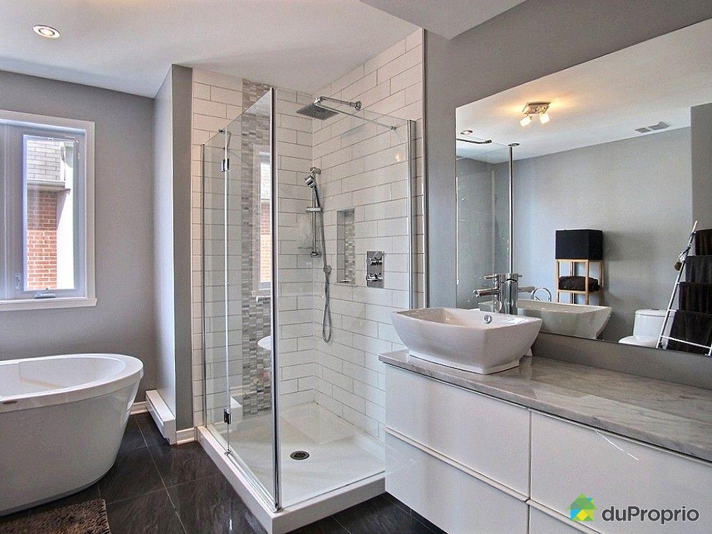 #756456 Jumelé Vendu Montréal Immobilier Québec DuProprio 518332 2649 petite salle de bain avec laveuse secheuse 1024x768 px @ aertt.com