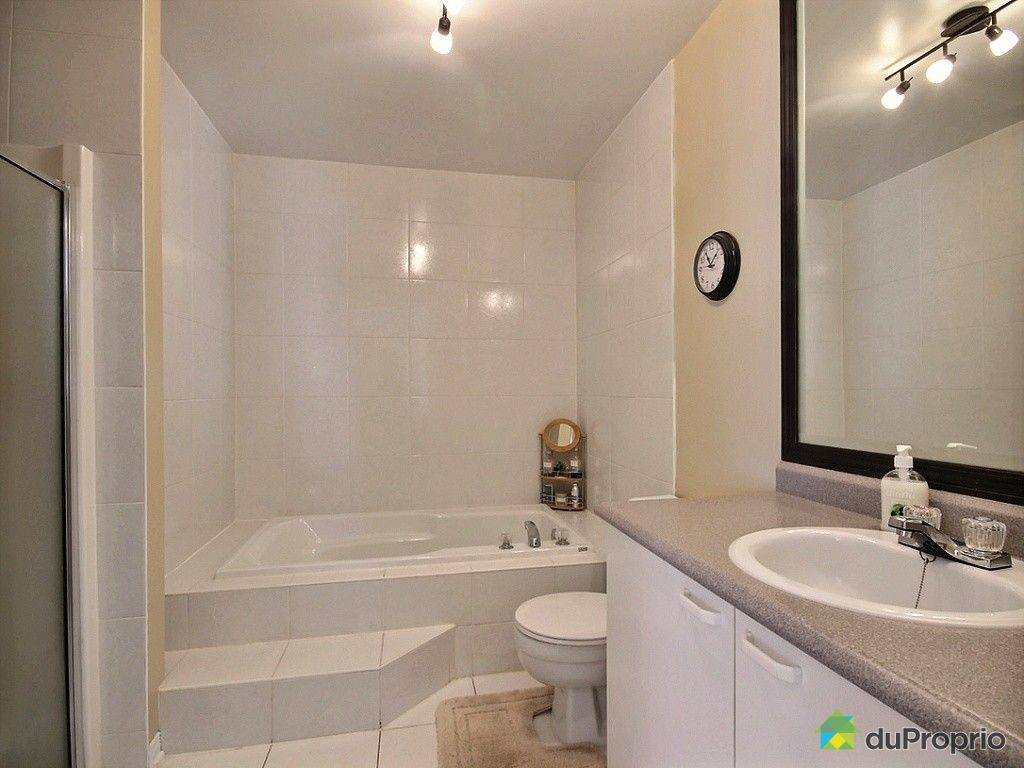 Jumel vendu st constant immobilier qu bec duproprio for Salle de bain quebec