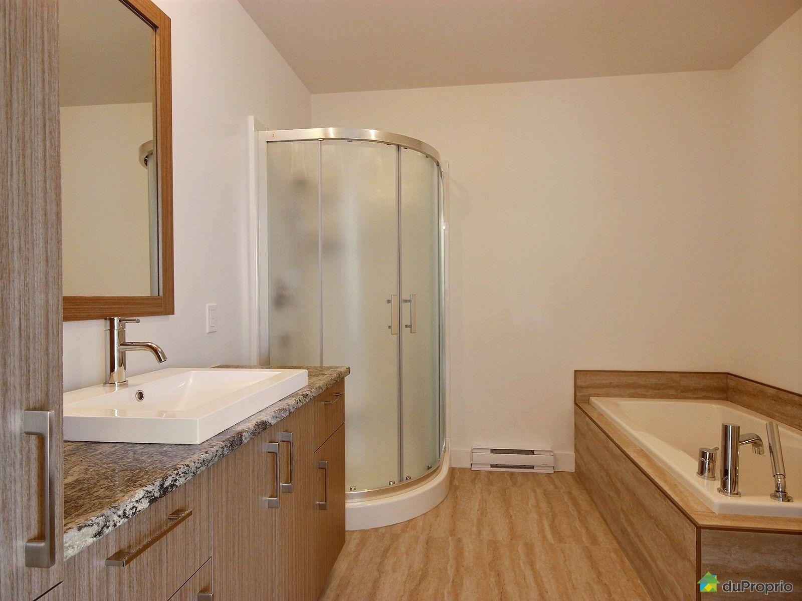 Jumel neuf vendre victoriaville 170 rue de l 39 b niste for Salle de bain commune a deux chambres