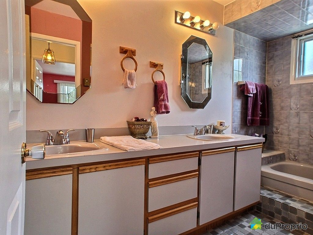 maison vendre vimont 2236 rue de rio immobilier qu bec duproprio 528569. Black Bedroom Furniture Sets. Home Design Ideas