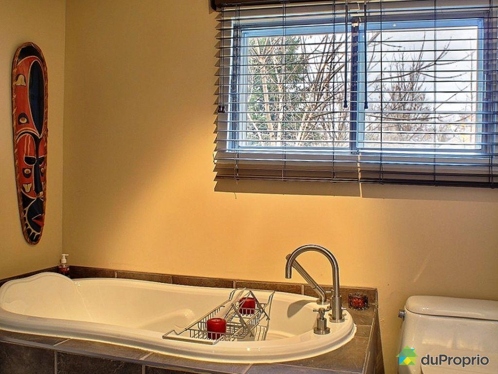 Maison vendu laval ouest immobilier qu bec duproprio for Cuisine et salle de bain laval