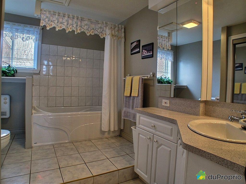 Maison vendre mont st hilaire 101 rue des francais for Salle de bain quebec