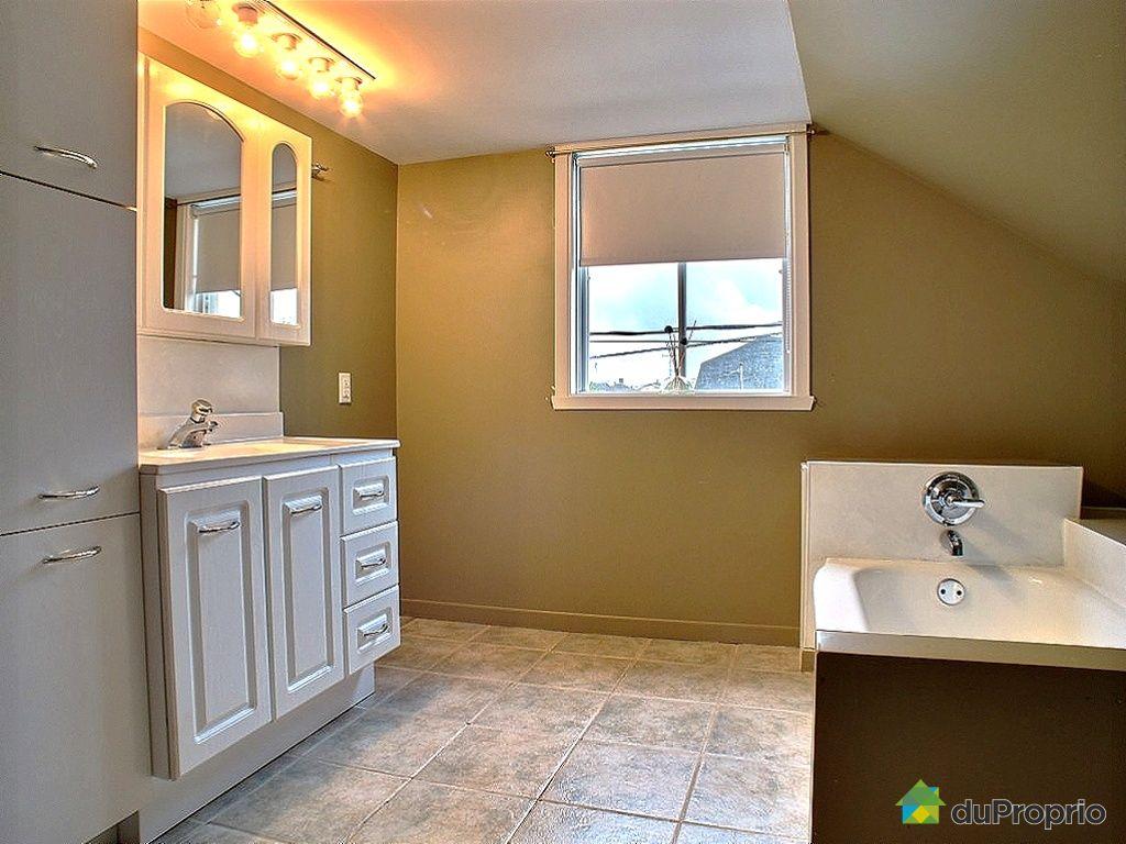 maison vendu rivi re du loup immobilier qu bec duproprio 431352. Black Bedroom Furniture Sets. Home Design Ideas