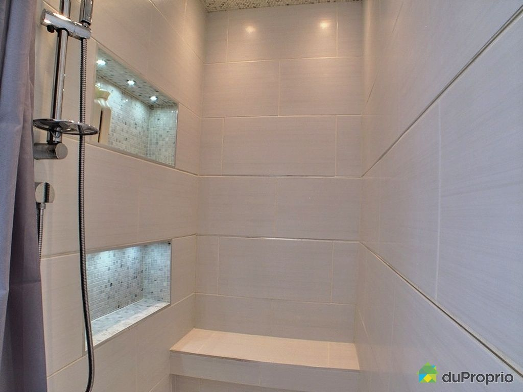 salle de bain avec douche en ceramique mobilier d coration. Black Bedroom Furniture Sets. Home Design Ideas