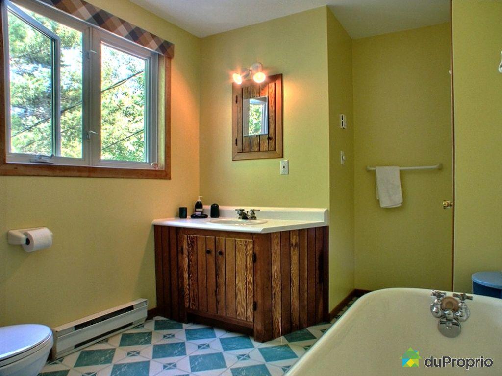 Maison vendu st tienne de bolton immobilier qu bec for Salle de bain saint etienne