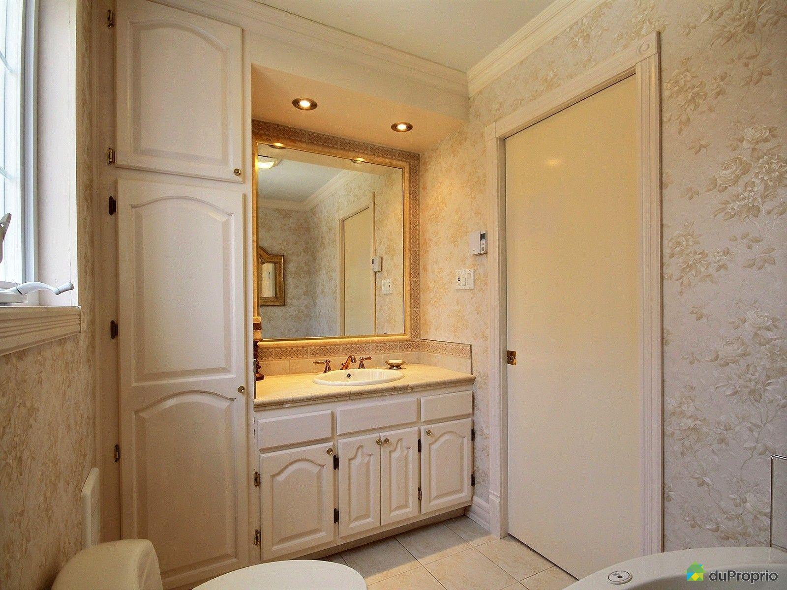 Maison vendre st j r me 2112 boulevard du roi charles for Accessoire salle de bain st jerome