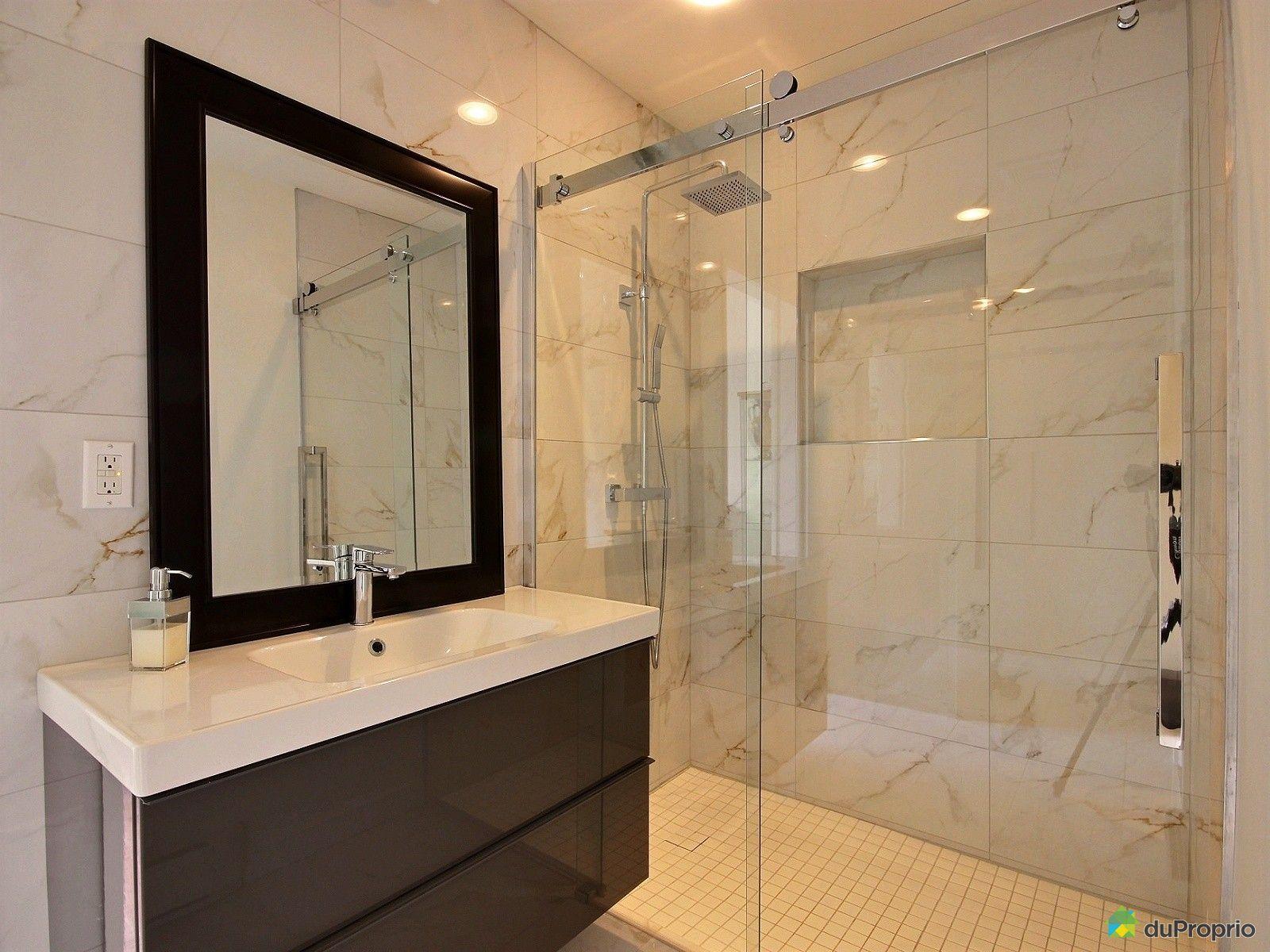 salle de bain ancienne a vendre avec des. Black Bedroom Furniture Sets. Home Design Ideas