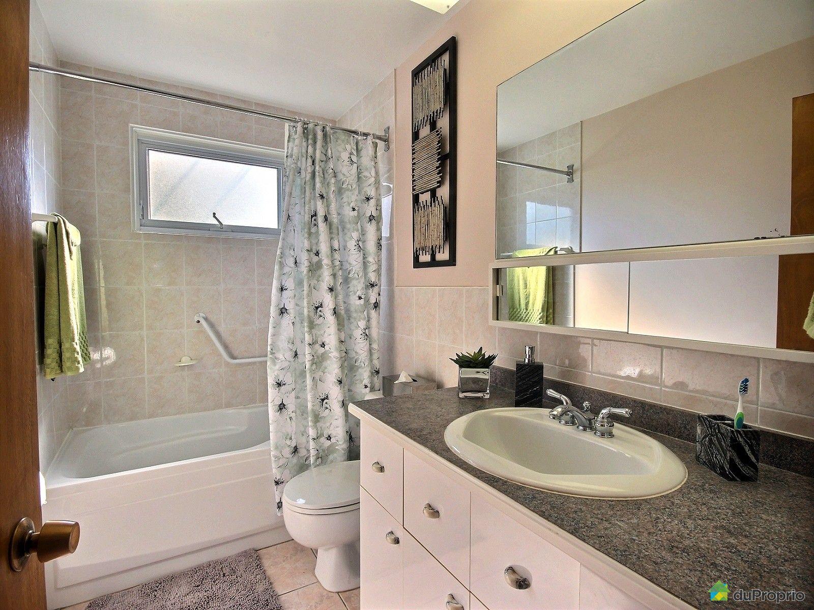 Maison vendu laval des rapides immobilier qu bec for Salle de bain laval