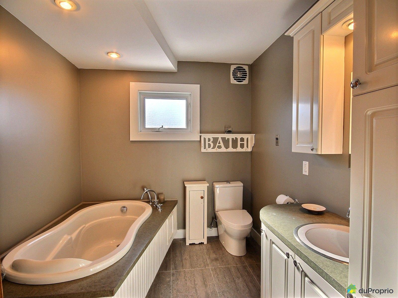 Maison vendre laval ouest 2280 30e rue immobilier for Salle de bain laval