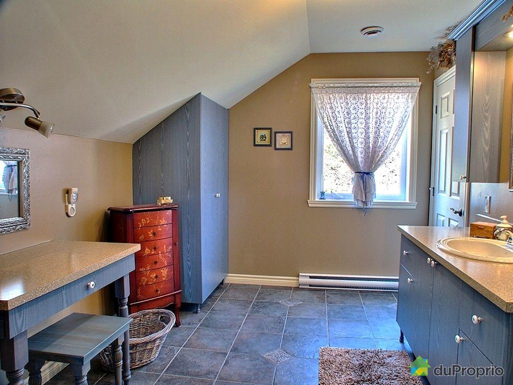 Maison vendu neuville immobilier qu bec duproprio 254842 for Plomberie salle de bain au sous sol