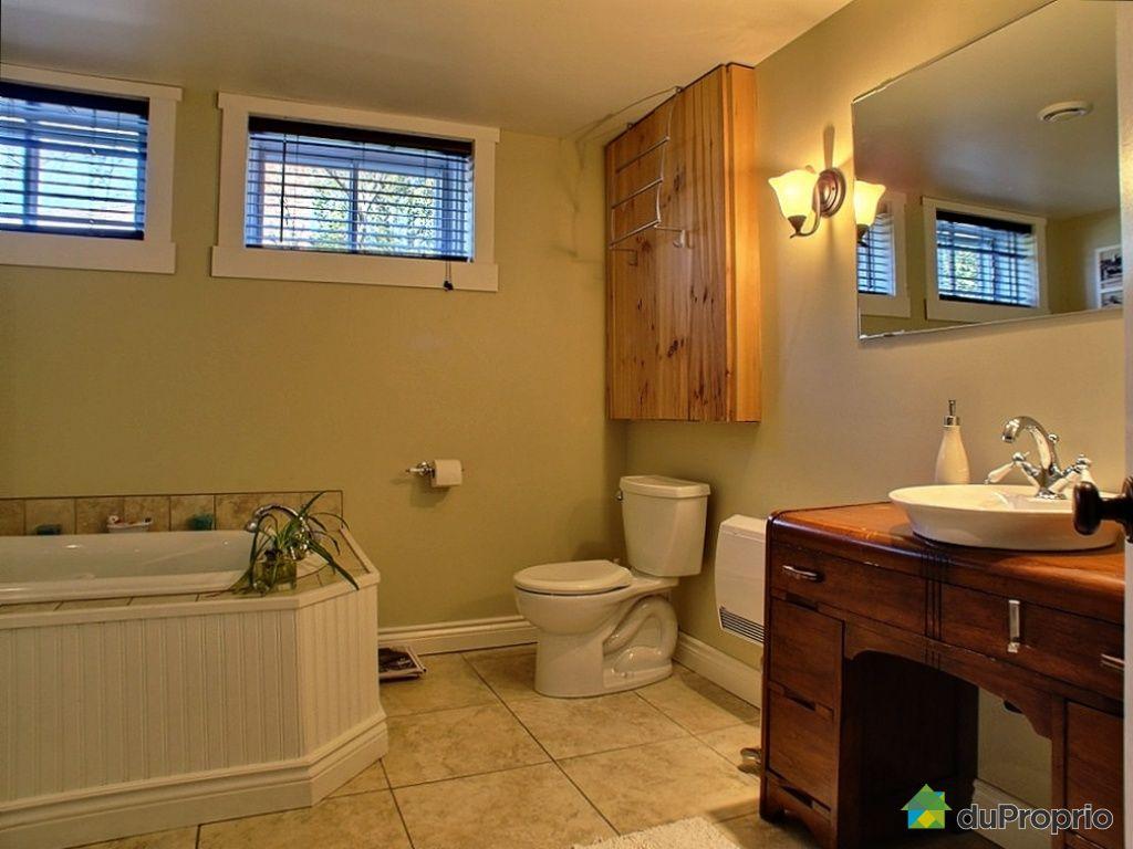 Maison vendu otterburn park immobilier qu bec duproprio for Plomberie salle de bain au sous sol