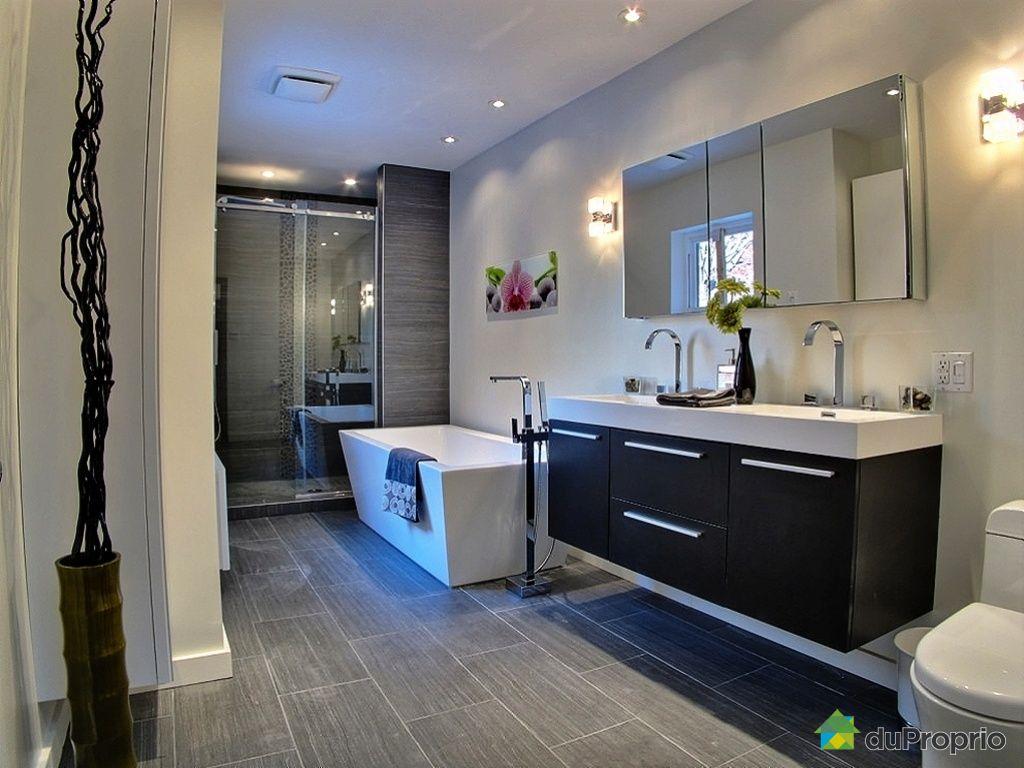 #336798 Maison Vendu Montréal Immobilier Québec DuProprio 392970 2649 petite salle de bain avec laveuse secheuse 1024x768 px @ aertt.com