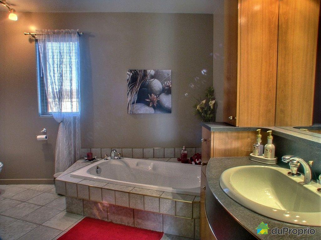 Maison vendu st bruno lac st jean immobilier qu bec for Salle de bain st jean