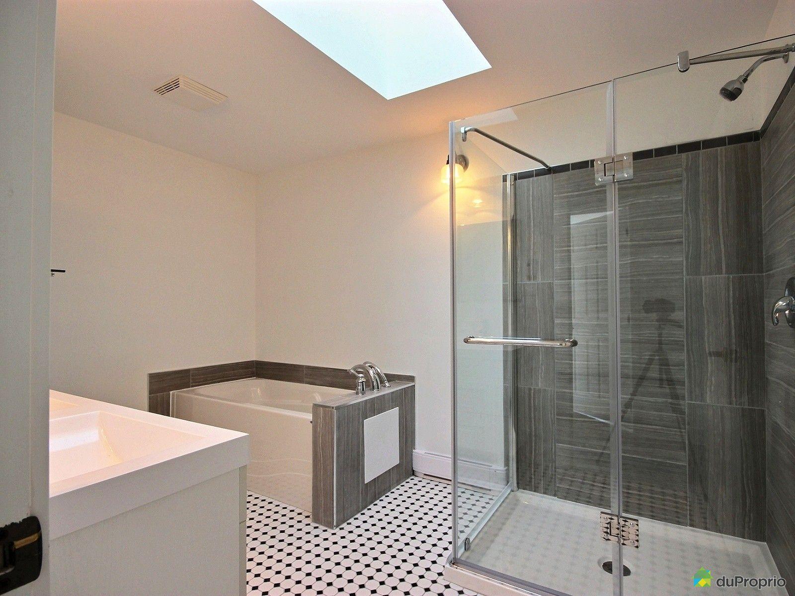 Maison vendre st eustache 1057 boulevard arthur sauv for Salle de bain 25 st eustache