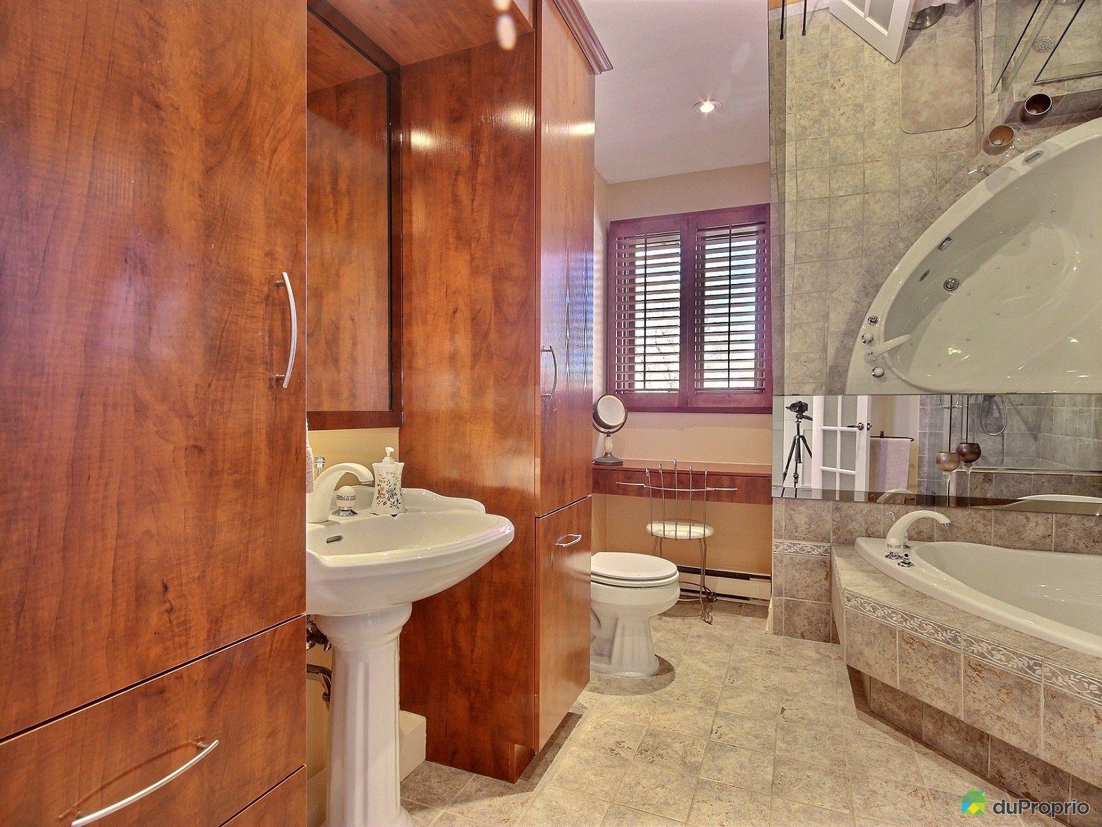 Maison vendre st eustache 160 boulevard l veill for Salle de bain 25 st eustache