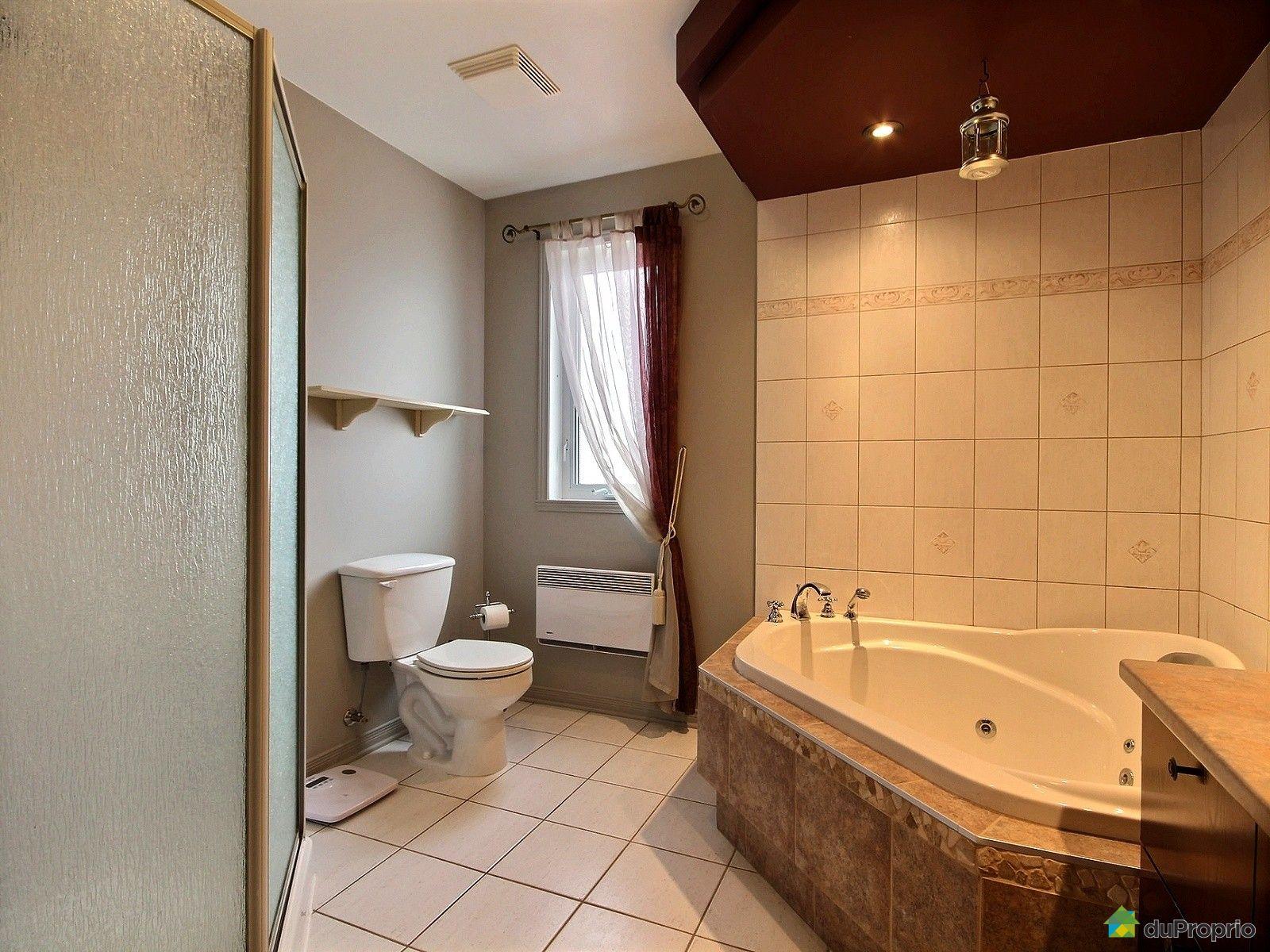 Maison vendre st eustache 437 rue des cam lias for Salle de bain 25 st eustache