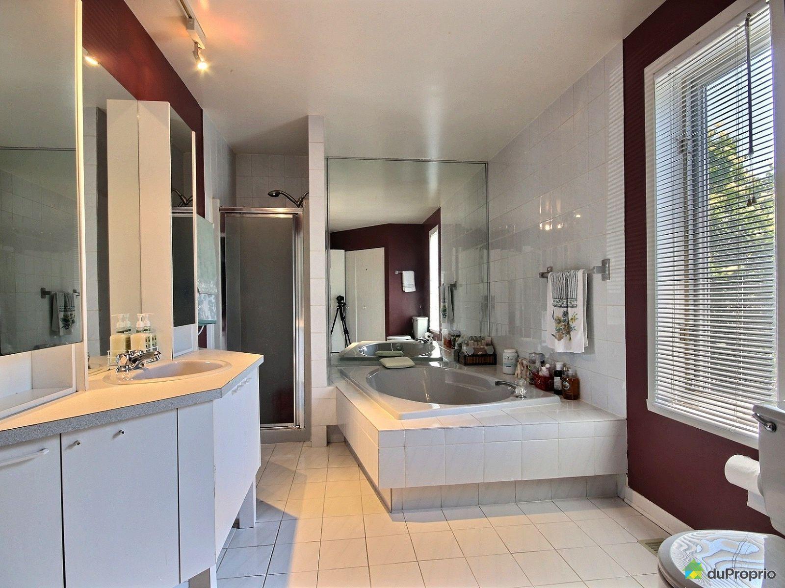 Maison vendre st eustache 223 rue des fr nes for Salle de bain 25 st eustache