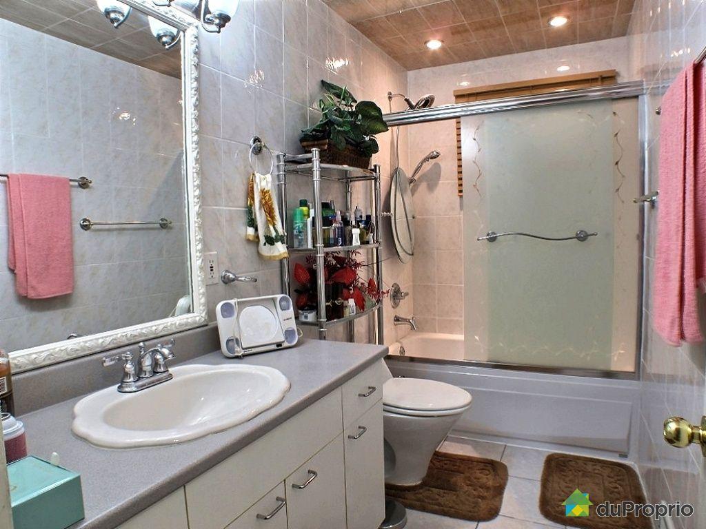 Maison vendre st eustache 412 rue constantin for Salle de bain 25 st eustache