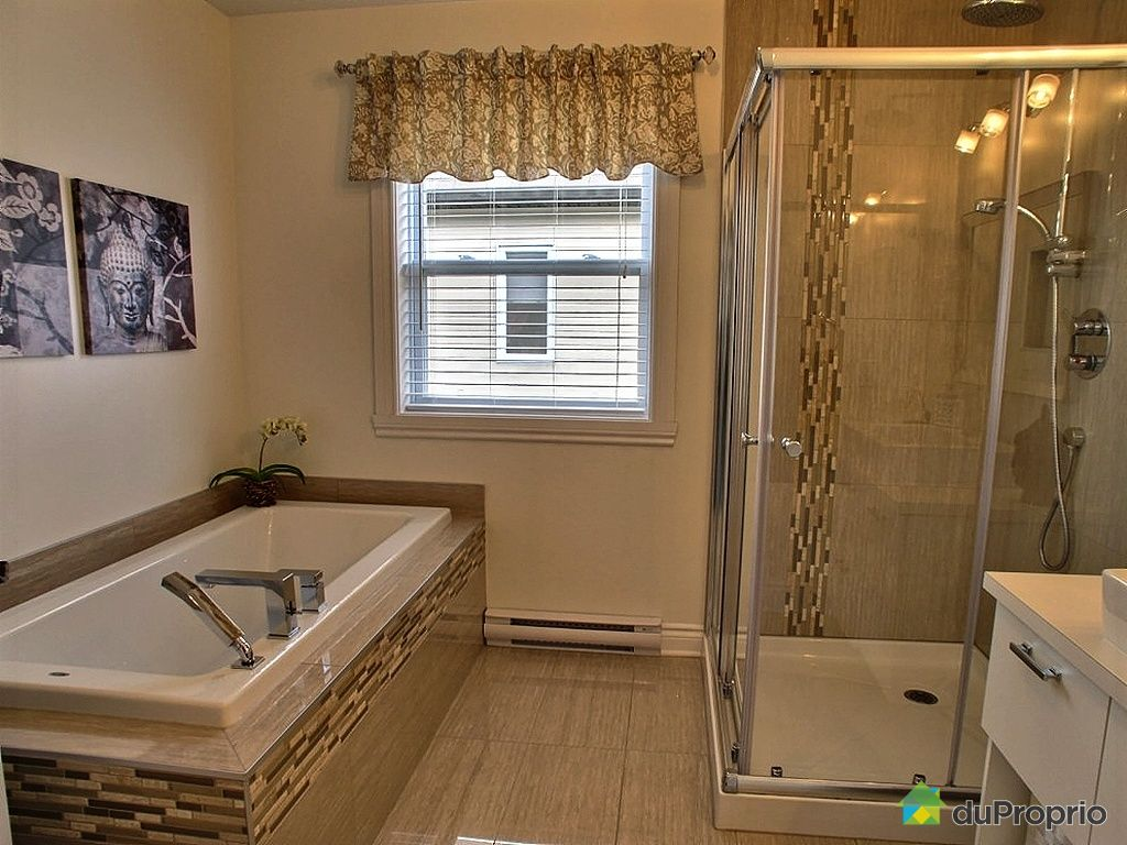 Maison vendre st jean sur richelieu 156 rue de lacolle immobilier qu bec duproprio 427012 for Salle de bain magnifique