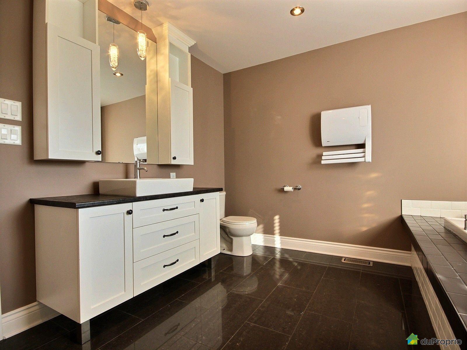 Maison vendre st j r me 1024 rue d 39 amboise immobilier for Accessoire salle de bain st jerome