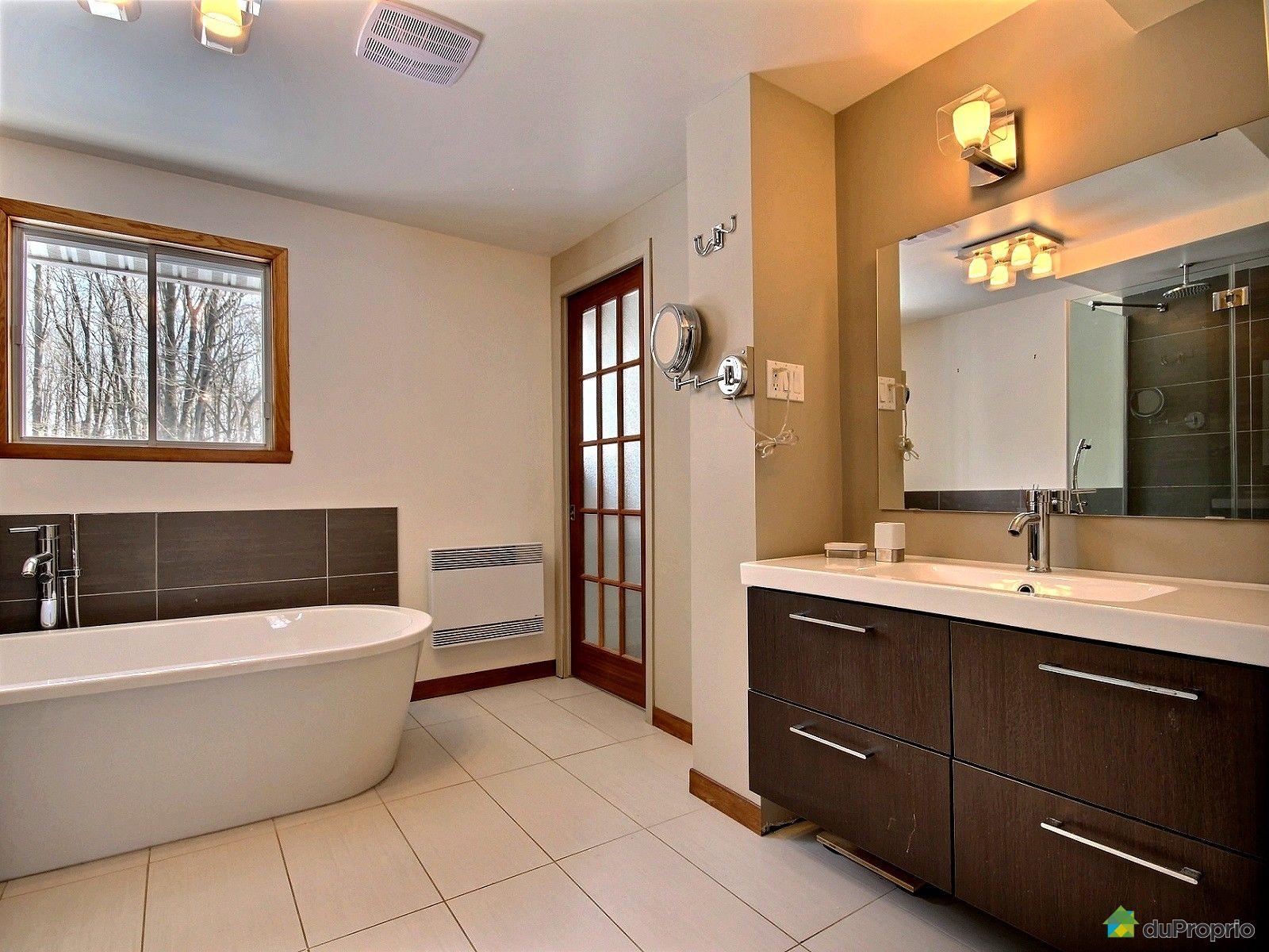 Maison vendre st urbain premier 126 mont e grande ligne for Salle de bain urbaine