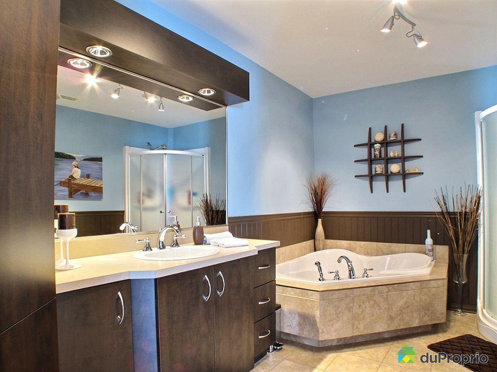 Maison vendu ste marthe sur le lac immobilier qu bec for Salle de bain quebec