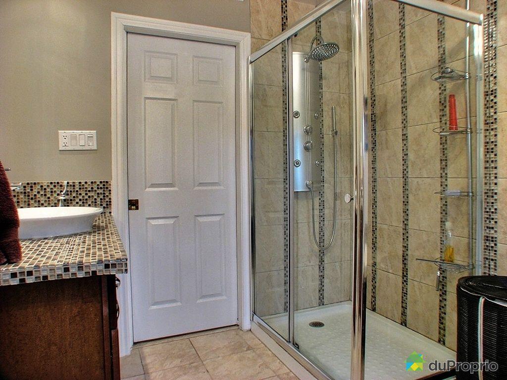 Salle de bain avec douche en ceramique for Salle de douche
