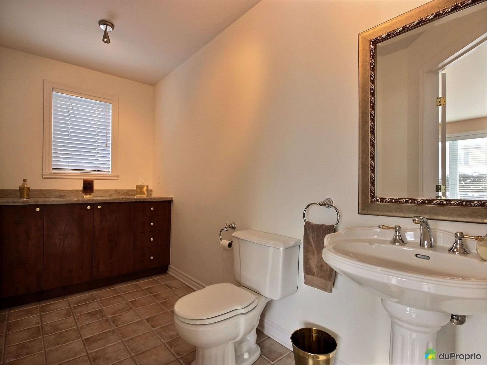 maison vendre vimont 447 rue d 39 assise immobilier qu bec duproprio 585075. Black Bedroom Furniture Sets. Home Design Ideas