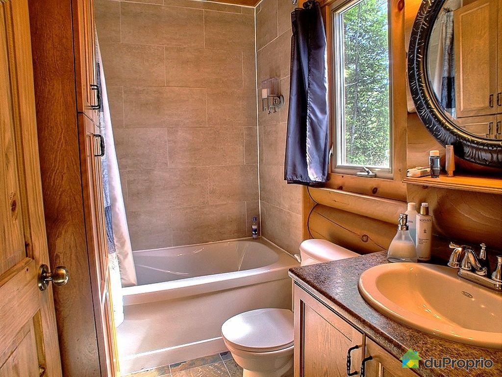 Salle de bain chalet bois rond avec plus de clarté photos ~ goohey.com