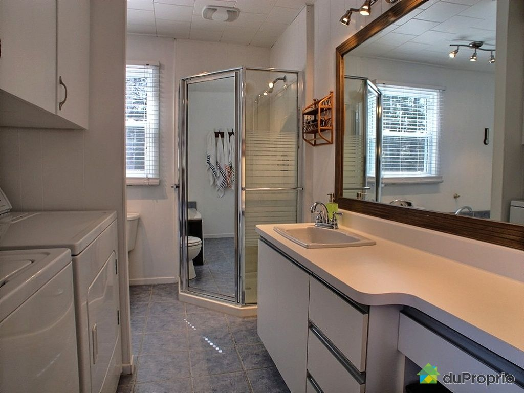 maison vendre st ferr ol les neiges 5940 avenue royale immobilier qu bec duproprio 421896. Black Bedroom Furniture Sets. Home Design Ideas