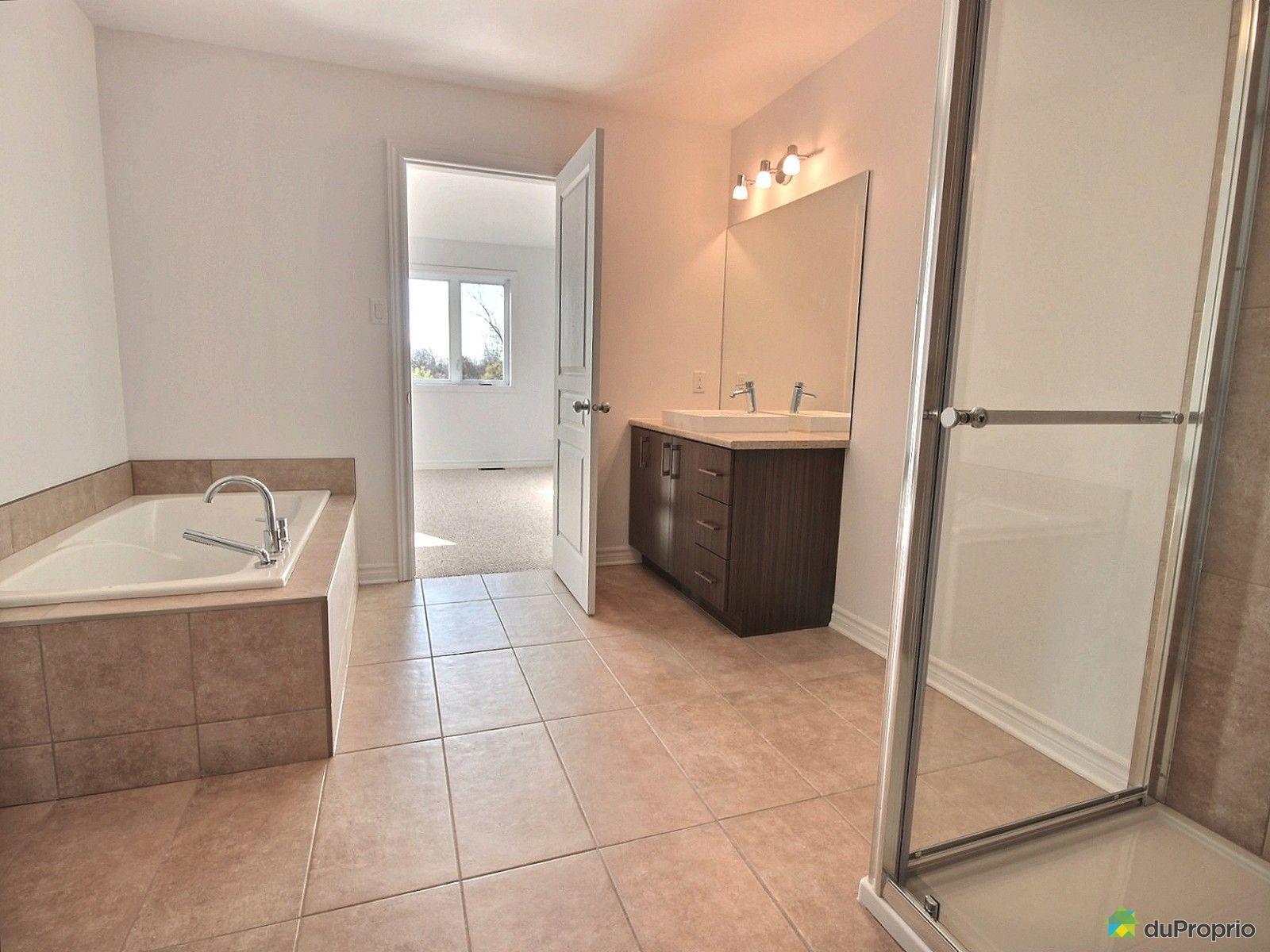 Maison neuve vendu aylmer immobilier qu bec duproprio for Salle de bain commune a deux chambres