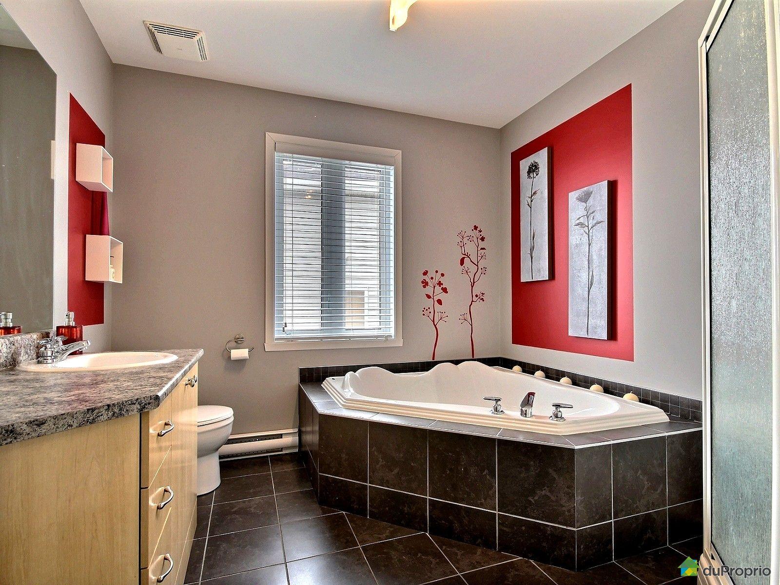 Maison vendu candiac immobilier qu bec duproprio 499041 for Salle de bain commune a deux chambres