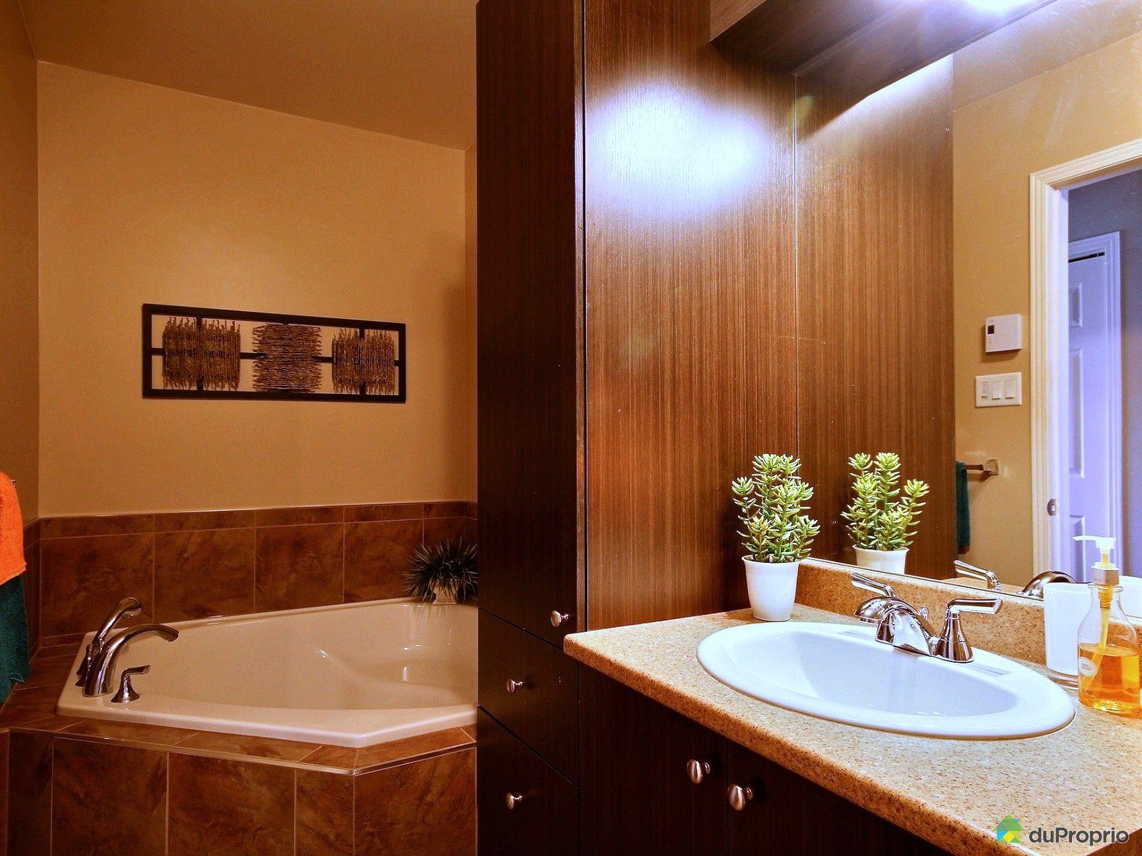 Maison vendu granby immobilier qu bec duproprio 622939 for Salle de bain commune a deux chambres