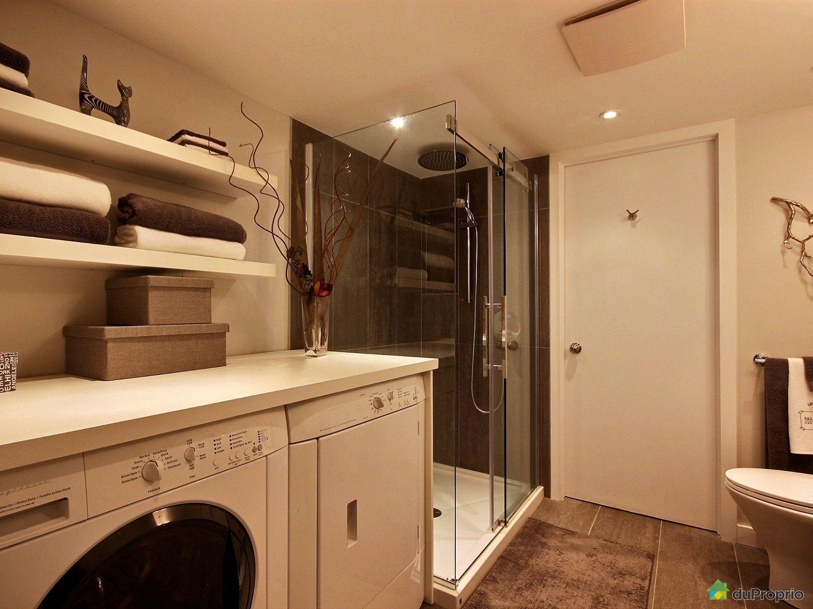 Maison vendre montr al 46 place du soleil immobilier for Accessoire salle de bain ville de quebec